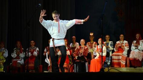 В Воронеже артисты со всей России исполнили частушки в честь Марии Мордасовой