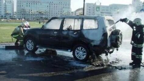 В Белгороде мужчина сгорел в автомобиле, принадлежащем жительнице Воронежа