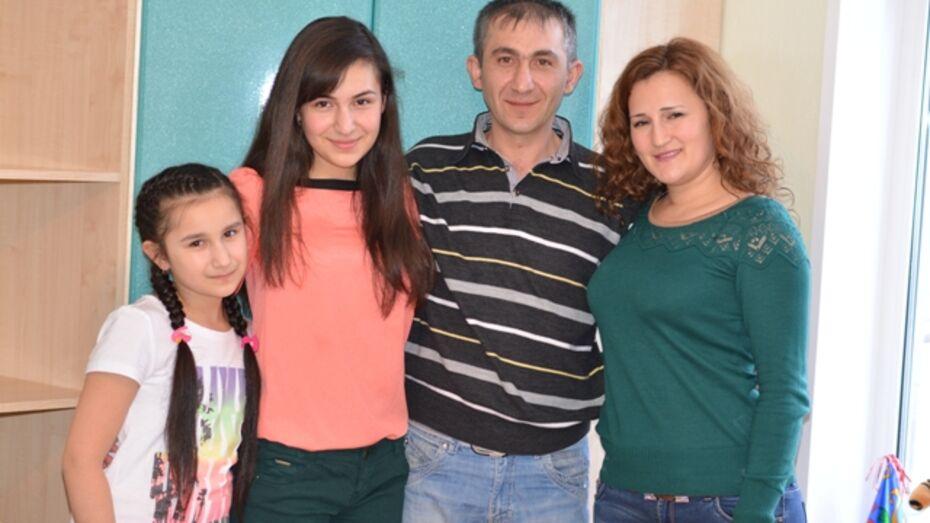 Танцор из Семилук освоил более десяти строительных специальностй
