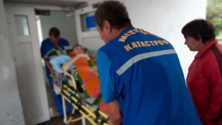 Под Воронежем неизвестный водитель выстрелил в прохожих