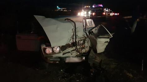 В ДТП с двумя легковушками в Воронежской области погиб водитель
