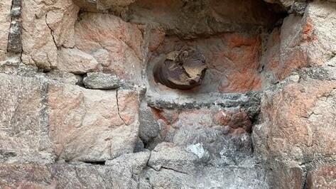 Военные снаряды оставят в стене воронежской 4-этажки