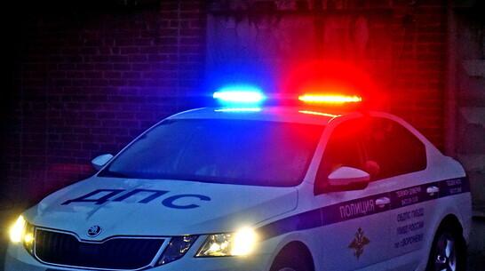 Автофургон ночью насмерть сбил пешехода в Воронежской области