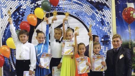 На танцевальных соревнованиях калачеевцы завоевали кубок «Медленного вальса»