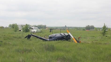 В Воронежской области вертолет Robinson R44 cовершил жесткую посадку