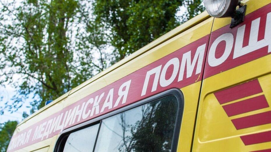 В Воронежской области столкнулись 2 автомобиля: пострадал парень