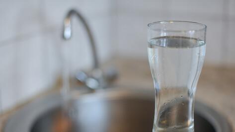 Жителям 3 районов Воронежа рекомендовали запастись питьевой водой