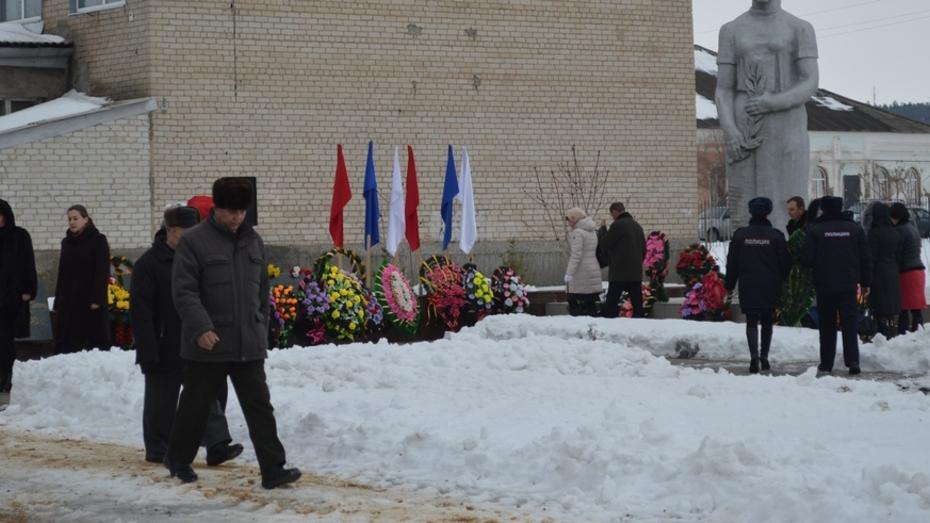 Репьевцы отметили 72-годовщину освобождения района от фашистских захватчиков