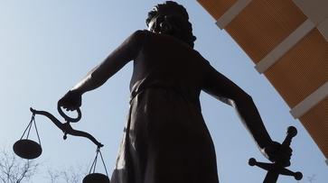 Глава россошанской городской электросети ответит в суде за превышение полномочий
