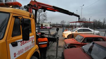 В Воронеже оштрафовали устроивших гонки водителей эвакуаторов