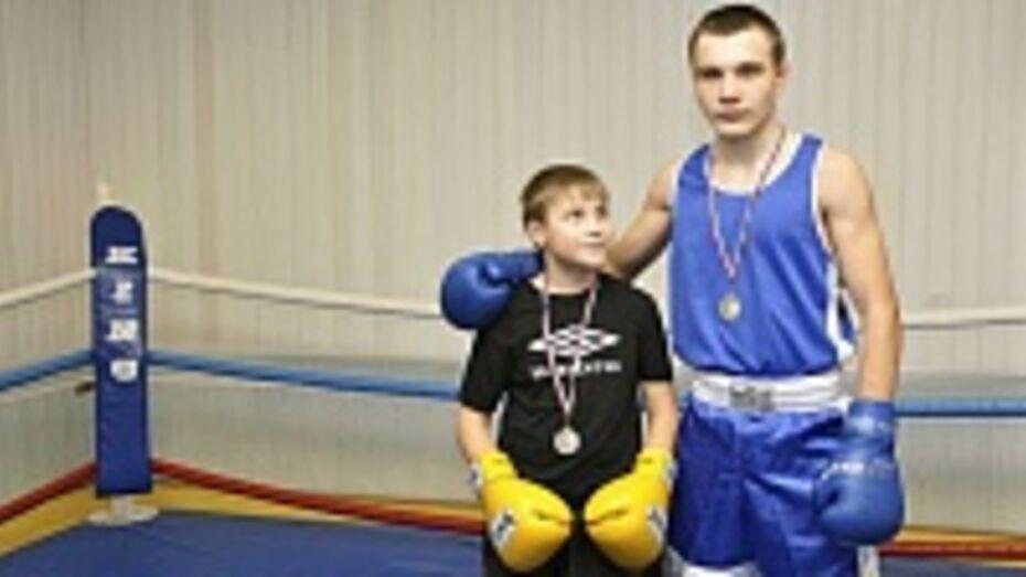 Бутурлиновские боксеры стали серебряными призерами открытого областного турнира