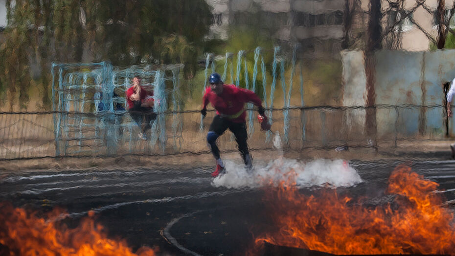 Военные за 1 минуту пробежали эстафету по пожарно-спасательному спорту в Воронеже