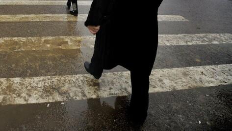 В центре Воронежа на пешеходном переходе иномарка сбила пенсионерку