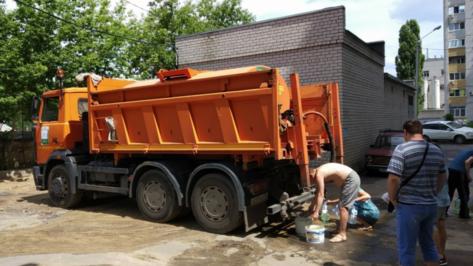 На время отключения воды в воронежском Шилово подвозить воду будут по 10 адресам