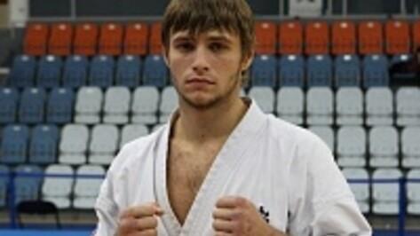 Поворинский каратист Иван Мезенцев взял два «золота» на самых престижных чемпионатах страны
