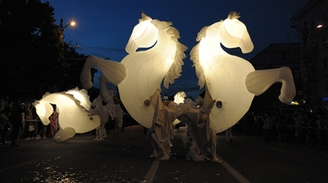 Фото РИА «Воронеж». Как прошел парад уличных театров на Платоновском фестивале