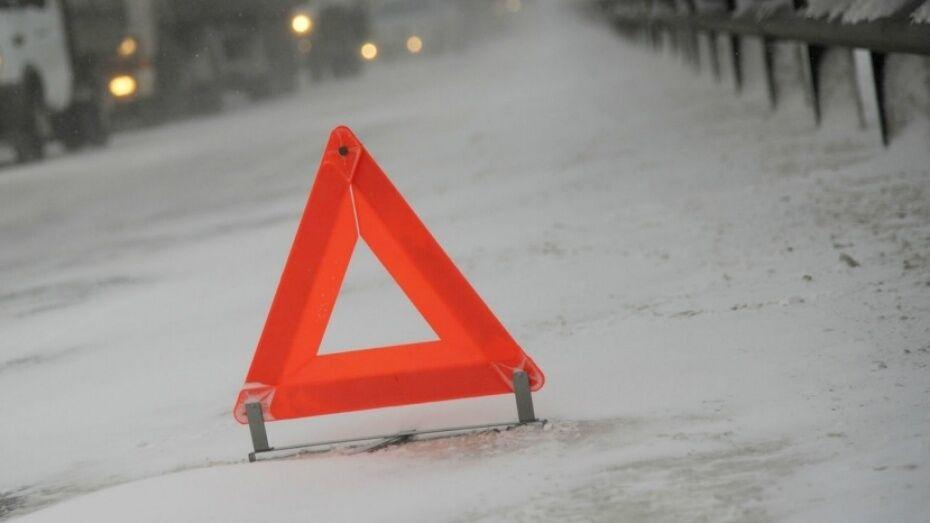 В Лискинском районе опрокинулся автомобиль Ford Scorpio