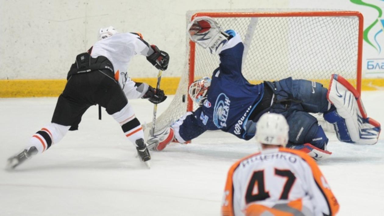 «Буран» вышел вперед в четвертьфинальной серии Кубка Братины со «Спутником»