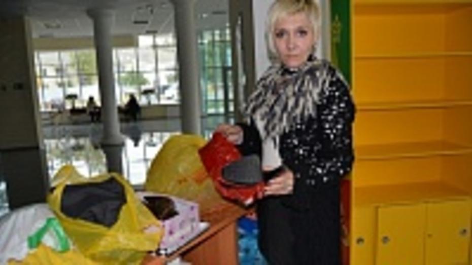 Россошанская молодежь организовала акцию по сбору теплых вещей для переселенцев с Украины