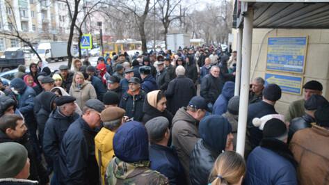 Подорожание справок в 5 раз спровоцировало столпотворение у наркодиспансера в Воронеже