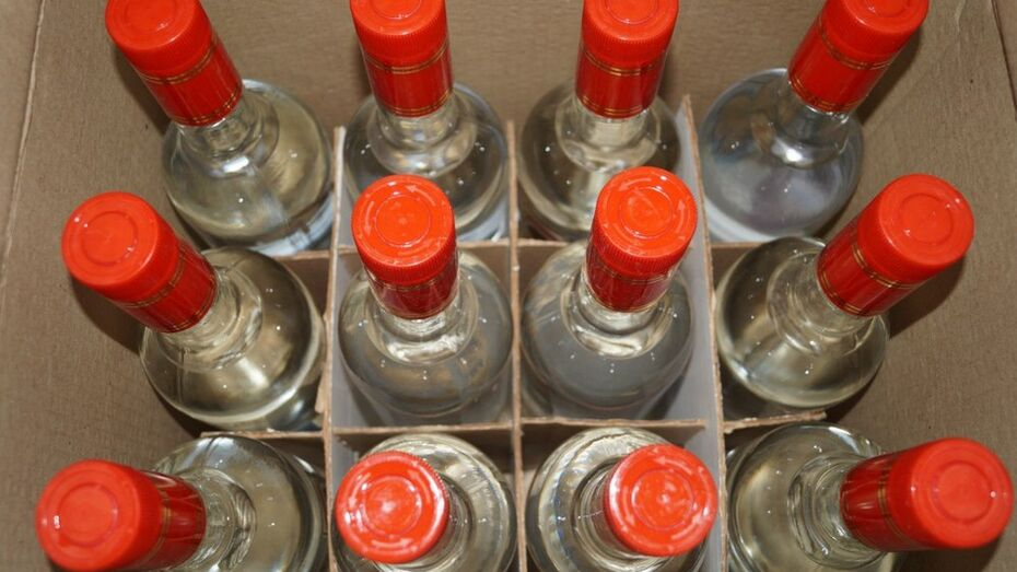 Лискинские полицейские с начала года изъяли около 100 литров контрафактного алкоголя