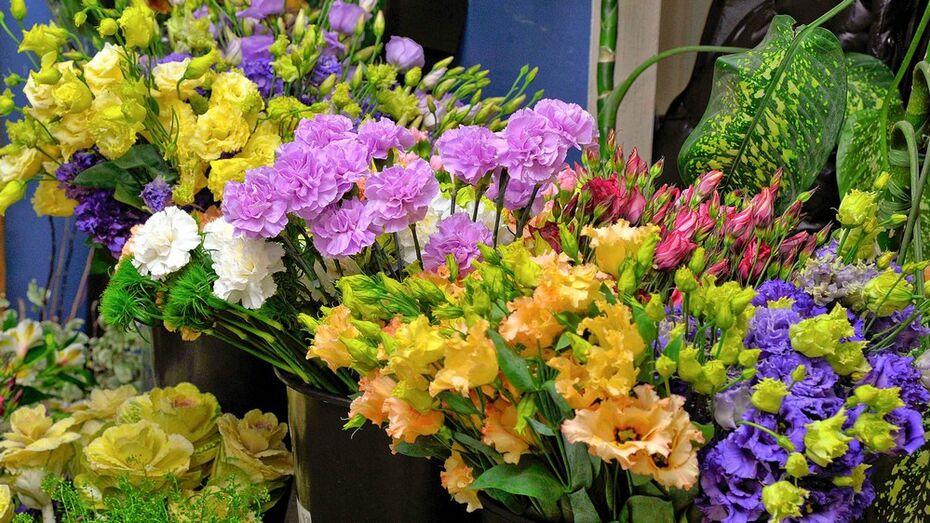 Цветы и романтический ужин. За какие подарки к 8 марта «проголосовали» лискинские женщины