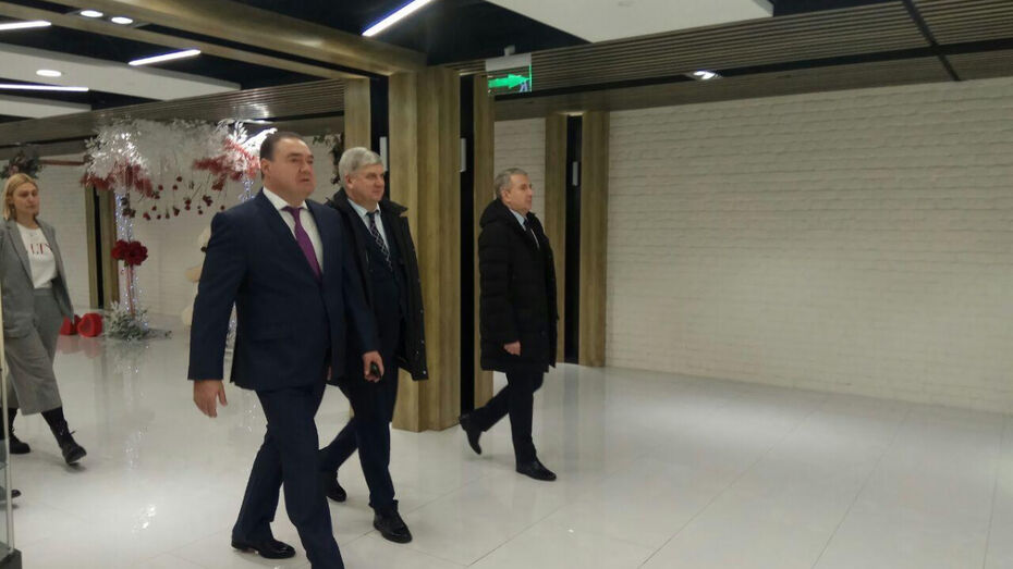 Губернатор оценил новую торговую площадку в центре Воронежа