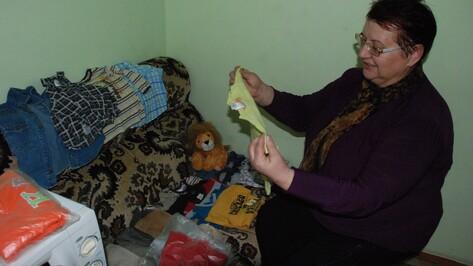 Житель Германии прислал в Кантемировку посылку с одеждой для детей временных переселенцев