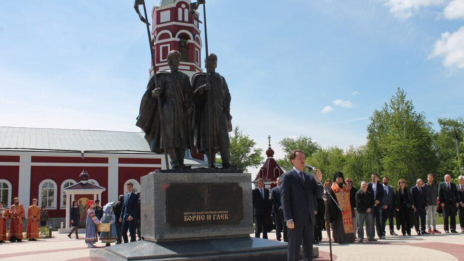 В Воронежской области открыли 7-метровый памятник князьям Борису и Глебу