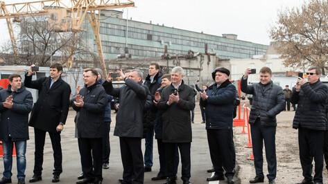 Губернатор Воронежской области поздравил работников ВАСО с успешным полетом Ил-112В