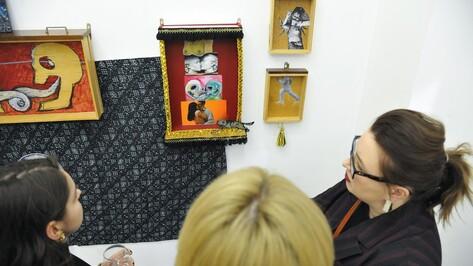 Художник Николай Олейников представил в Воронеже исследования интимного