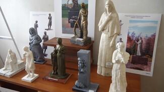 Достойный уровень. Как в Воронеже выбирают новые скульптуры для воинских захоронений