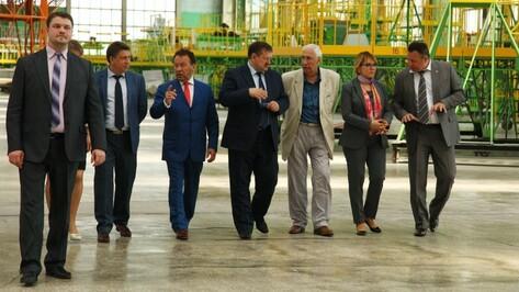 Председатель Центрально-Черноземного банка Владимир Салмин посетил Воронежский авиазавод