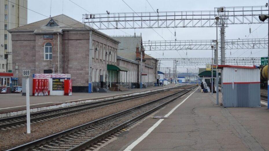 В Воронежской области работница киоска попалась на торговле опасным алкоголем на вокзале