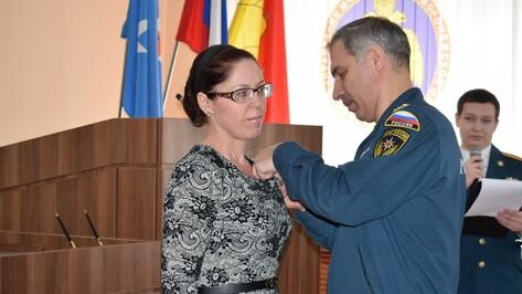 Жительницу Грибановского района наградили за спасение двоих тонущих детей