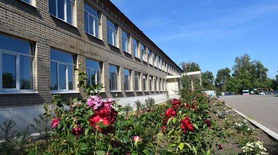Коронавирусом заболели 4 педагога сельской школы Воронежской области