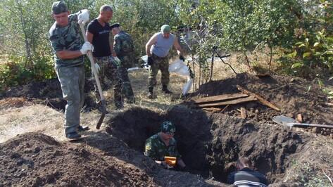 В верхнемамонском селе поисковики эксгумировали останки убитого белоказаками селянина