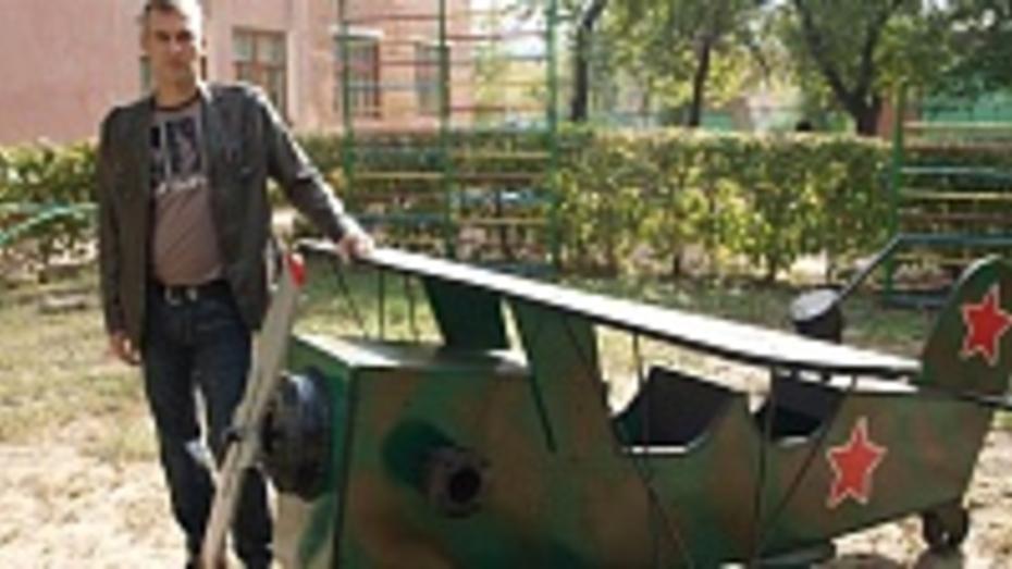 Житель Семилук подарил детскому саду бомбардировщик У-2