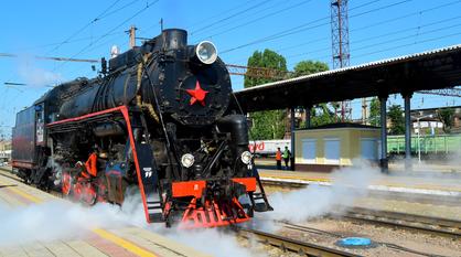 С дымком и огоньком. Экскурсионный ретропоезд совершил первую поездку из Воронежа в Рамонь