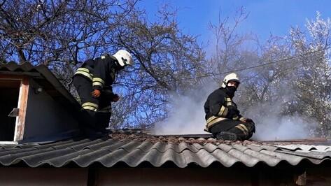 Хозяин дома попал в больницу после пожара в центре Воронежа