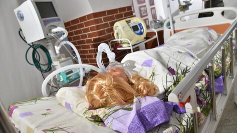 Воронежские власти назвали число подключенных к аппаратам ИВЛ COVID-пациентов