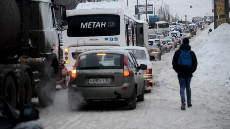 Воронеж во второй раз за неделю встал в 10-балльных пробках