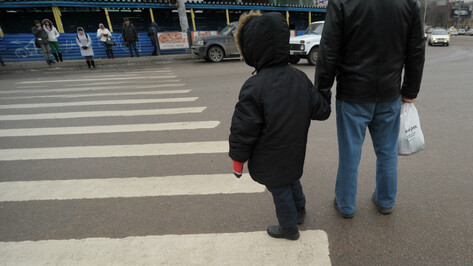KIA сбил 5-летнего ребенка на пешеходном переходе в Воронеже
