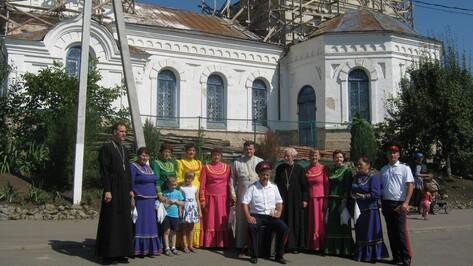 В Богучаре концерт казачьего ансамбля собрал более 100 зрителей