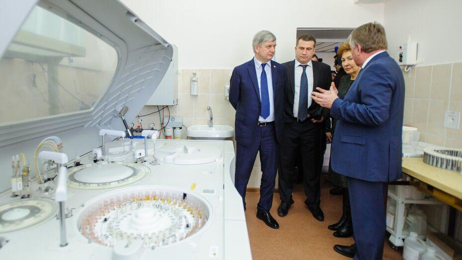 Воронежские медучреждения продемонстрировали достижения Галине Кареловой