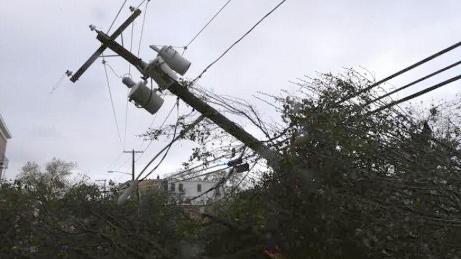 В Терновском районе сильный ветер оставил без света 3 села