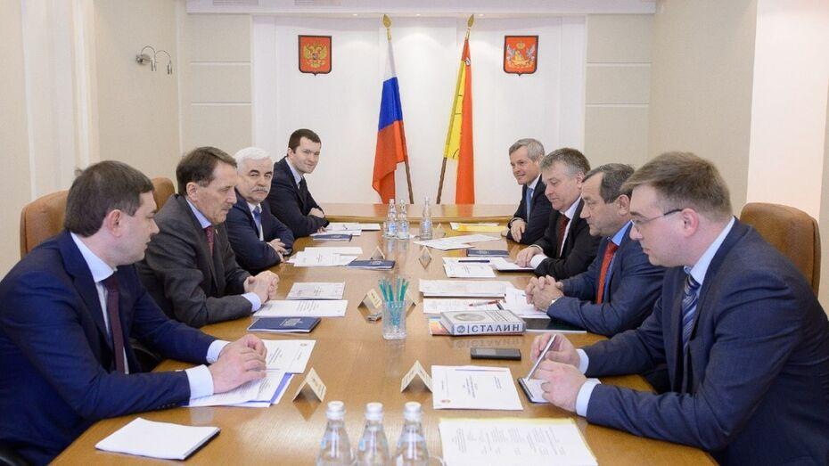 Воронежский губернатор призвал депутатов «держать руку на пульсе»