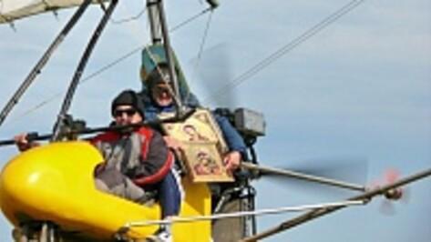 В Поворино впервые прошел воздушный крестный ход