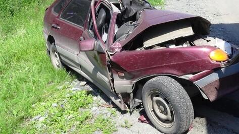 Двое парней разбились на «ВАЗе» в Воронежской области