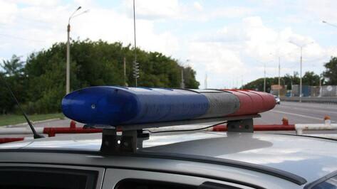 В Воронежской области из-за отказа тормозов столкнулись «КАМАЗ» и легковушка